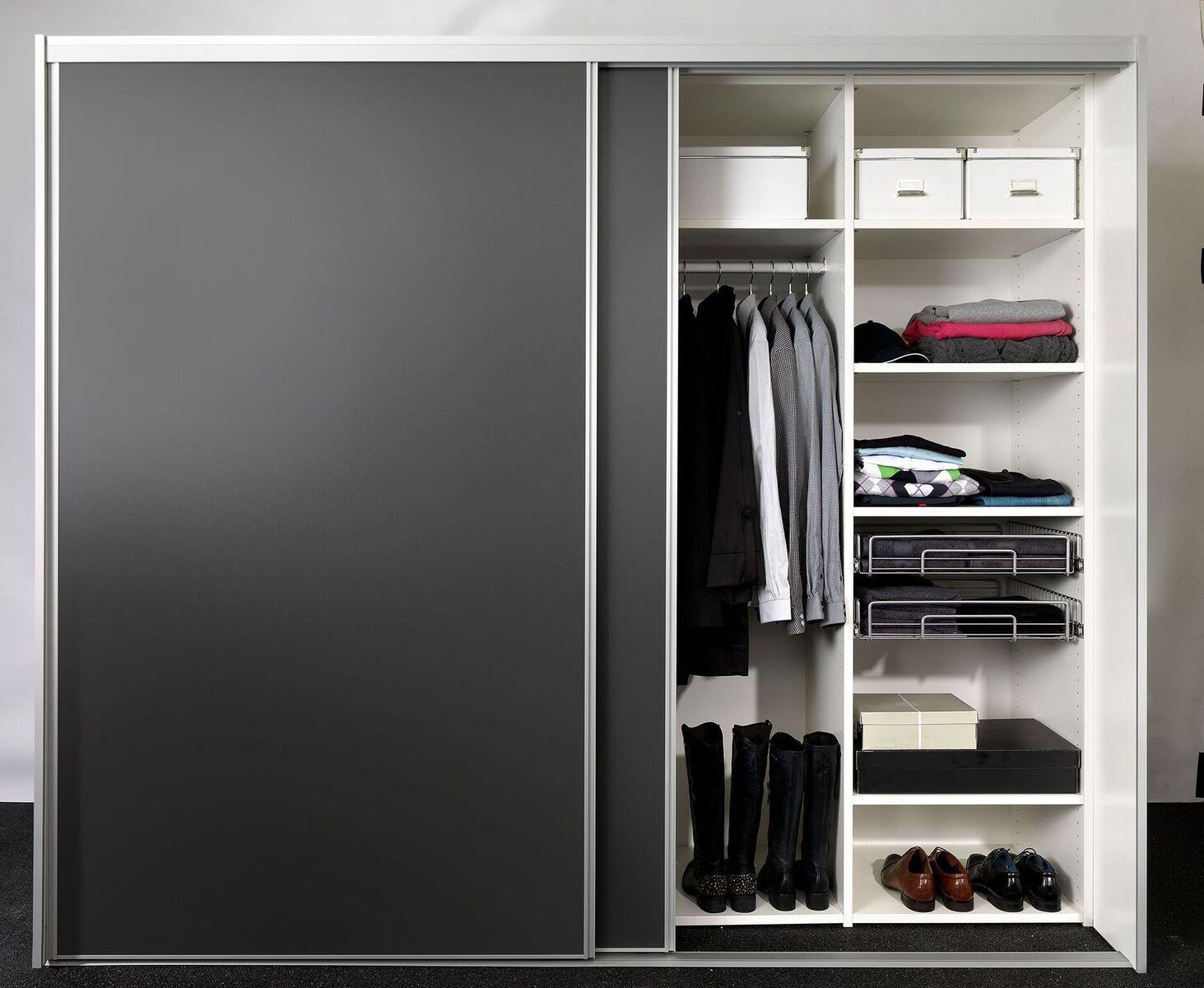 skydedoere til garderoben i sort
